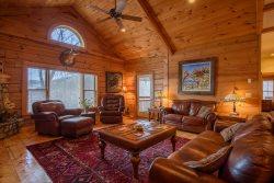 Huge Views, Hot Tub, Pool Table, Large Open Living Area on Beech Mountain Near Banner Elk