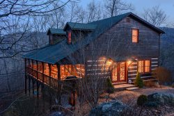 4BR Cabin in Boone, Close to Skiing, Views, Hot Tub, Pool Table