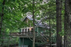 4BR on Beech Mountain, Sleeps 8, Close to Ski Slopes, Club Membership, Pool, Tennis, Golf, Dining