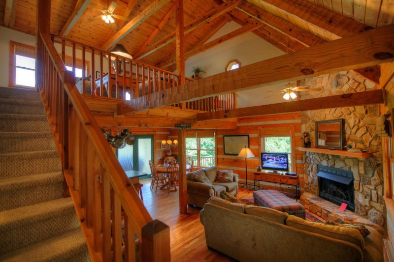 Grandfather Sights 4BR Cabin With Fantastic Views of