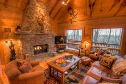 4BR Upscale Log Cabin Valle Crucis! 4BR/3.5BA Log Cabin with Hot Tub, Fire Pit, Game Tables, Flat Panel TVs, Views, Privacy & Seclusion!