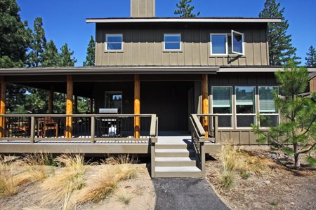 Bend Oregon Vacation Rentals, Pet Friendly in River Wild of Mt. Bachelor Village Resort