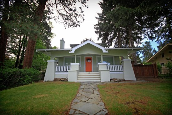 NW Congress Street, Downtown Bend, OR Vacation Rentals Pet Friendly Walk Everywhere