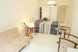 Remodeled 1 bedroom apt in Copacabana close from Ipanema and Arpoador
