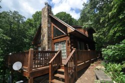 Rocky Ridge at Deep Creek - Romantic Honeymoon Cabin in the Smokies with a Hot Tub