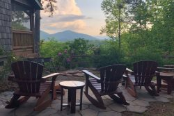 The Hilltop- Central between Harrah�s Casino and the Great Smoky Mountain Railroad with Outdoor Firepit, Covered Porch and View