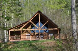 Sunrise in the Smokies - Quiet Mountainside Log Cabin - Amazing View, Beautiful Decor, Great Firepit, Large Hot Tub � Wi-Fi