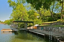 Breeze Terrace Lake House - Pool Table, Boat Lift, Jet-Ski Ramp