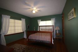 Upstairs Second Bedroom - Queen, Directv - Lake LBJ Vacation Rental House