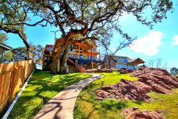 Elk Lodge on LBJ - Excellent Location on Upper Colorado Arm