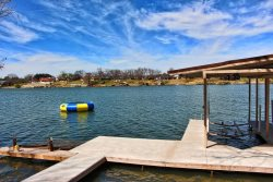 Late Summer Special - Sweet Mesquite Luxury Rental with Swimming Pool, Covered Boat Dock with Lift, Double Jet-Ski Ramp