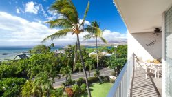 PUAKO CONDO 407 3 Bedrooms Great for  Families, Friends or Couples Top Floor with Ocean View