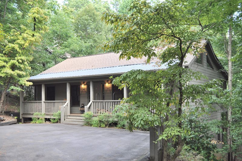 Mountain breeze big canoe vacation rentals for Big canoe lodge