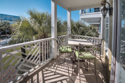 `Serenity Now` Offers Amazing Views of 30A and Seacrest Beach + FREE BIKES!