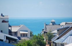 `Family Thyme` Perfectly Located Downtown Rosemary Beach Vacation Condo + FREE BIKES!