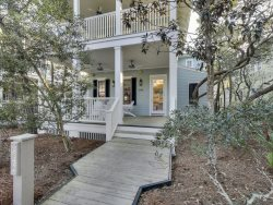 `642 Western Lake` Exquisite 30A WaterColor Vacation Rental House + FREE BIKES!
