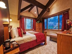 Elegant Master King Suite