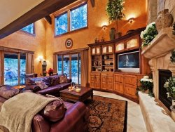 Beautiful Great Room at Slopeside Private Retreat