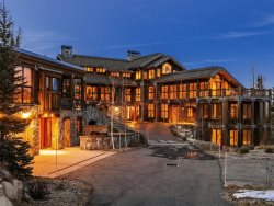 Ultimate Ski-In\/Out Experience at Canyons Resort