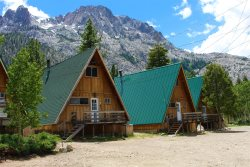 Surround yourself with the incredible High Sierra Nevada Mountains, crystal clear alpine lakes and a wonderful vacation experience.