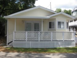 1706 Cute and Clean Cottage Sitting on Corner**