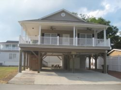 MH 240 LOVELY HOME WITH LOTS OF EXTRA PARKING and WIFI in Peak Season!!!