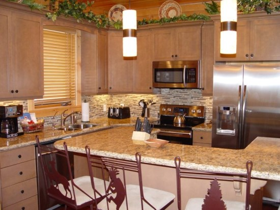 Kitchen and Island Seating, New Stainless Steel Appliances, Granite Countertops and Cabinets