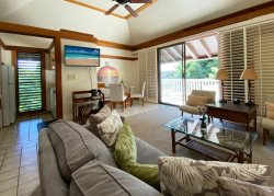 Kiahuna 431: Modern, Contemporary Space Just Minutes from Popular Beach