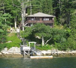 SALTAIRE | BOOTHBAY HARBOR | LINEKIN BAY | APPALACHEE LAKE | PRIVATE DOCK & FLOAT | SHARED BEACH | MAINE GETAWAY