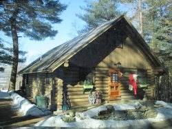 COZY ROMANTIC LOG CABIN | VERMONT | TWO BEDROOM | HIKING | SKIING | PRIVATE | ALL AMENITIES