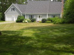 EASY BREEZES | BOOTHBAY MAINE | BARTERS ISLAND |SALT WATER RIVER | PRIVATE DOCK & FLOAT | SLEEPS SIX | PET FRIENDLY