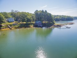 CAPTAIN KENTS HOUSE | SUMMER COTTAGE | 1832 FARMHOUSE | WATERS EDGE | BOAT HOUSE | PRIVATE DOCK & FLOAT | SECLUDED COVE | SAWYER`s ISLAND | FAMILY VACATION | BOOTHBAY | MIDCOAST MAINE