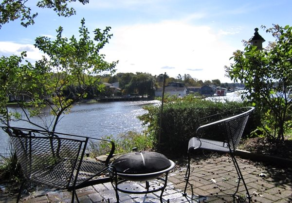 Mill Pond Realty Vacation Rentals Boat House Saugatuck
