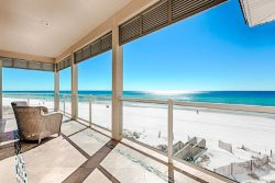 Beautiful BEACH FRONT Luxury 8 Bedroom Home, Featuring a Hot Tub!