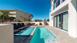 Luxury 6 Bedroom Beautiful Home, Sleeps 14, Private Pool, Gulf View, Steps to Beach!