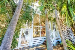 Going Coastal - 3 Bedroom Home, Located in Seacreast , Sleeps 12, Just Steps to the Beach!