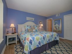 Guest Bedroom at 1704 Bluff Villa has two Twin beds
