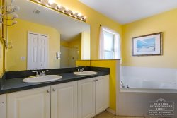 Davenport Vacation Rental in West Ridge - Master En Suite Bathroom with Garden Tub and Walk in Shower