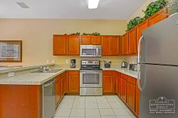 Calabay Parc at Tower Lake Disney Community- brand new fully equipped kitchen