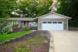 Grand Haven Vacation Rental within walking Distance to Shared Private Beach