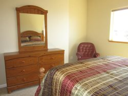 Crows Nest - 2nd Level - Bedroom 3 with Queen bed, photo 2