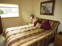 Crows Nest - Street Level - Bedroom 1 with Queen bed