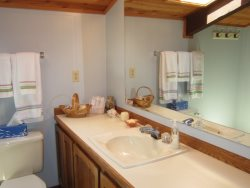 Honey Home - Loft - Full Bathroom with walk-in shower, photo 1