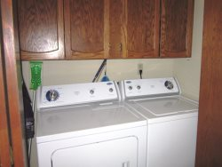 Honey Home - Main Level - Washer and Dryer