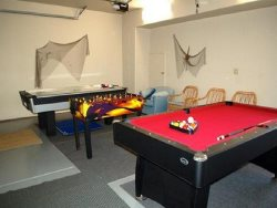 Starry Night - main level, game room photo 2