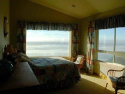 Starry Night - upper level, bedroom suite 2, bedroom with ocean views