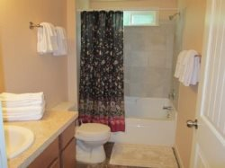 Ambers Point Of View - Hallway Bathroom - With Shower and Tub Combo