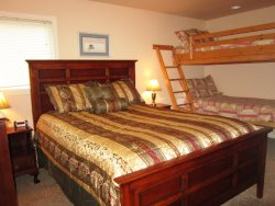 Ambers Point Of View - Bedroom 2 - Queen Bed and Twin Over Twin Bunk Bed
