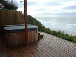 Colbys Run - Main Level - Back Deck - Outdoor Hot Tub
