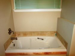 Oceana - Upper Level - Bedroom Suite 3 - Bathroom - Soaking Tub